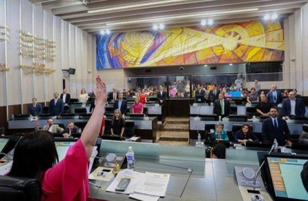 Con 27 de 30 votos, la LXI Legislatura aprobó reformas Constitucionales