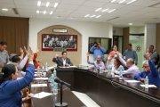Aprueban decretos comisiones de Hacienda, de Minería y de Asuntos Municipales