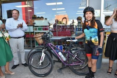 Instalan infraestructura ciclista en tiendas de conveniencia
