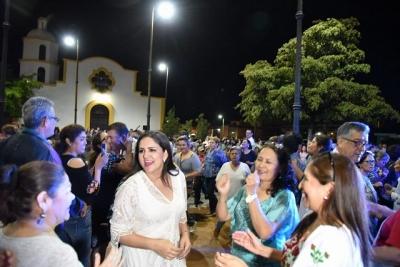 ¡Se armó el bailongo en Villa de Seris!