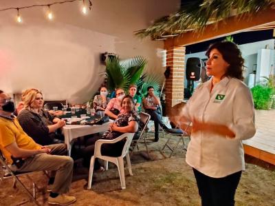 Ofrece Esther Salas instaurar programas de apoyo a la economía de la mujer y la familia
